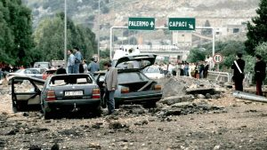 """Da domani """"La memoria in marcia"""": l'auto che scortava Falcone ritorna a Palermo"""