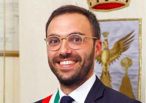 Pozzi privati e autobotti, indagato il sindaco grillino di Alcamo Surdi