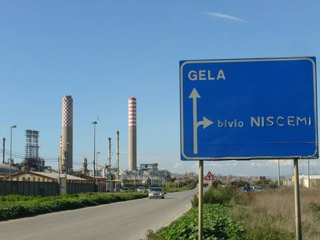 """Gela, Ministero dell'Ambiente approva aggiornamento progetto """"Green refinery"""""""