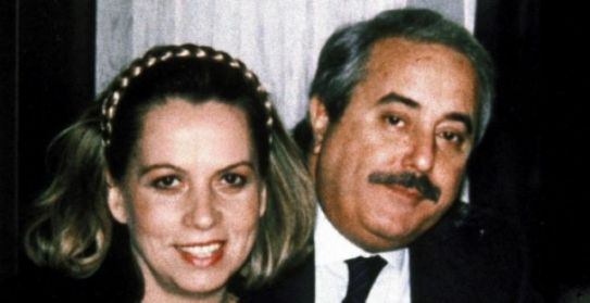 http://www.ilmattinodisicilia.it/wp-content/uploads/2017/04/giovanni-falcone-francesca-morvillo.jpg