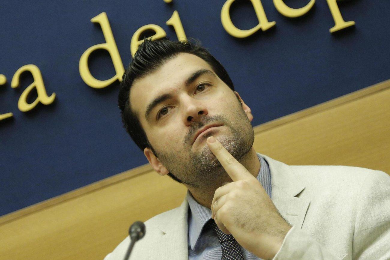 Inchiesta firme false a 5 Stelle: Nuti si autosospende dal gruppo parlamentare