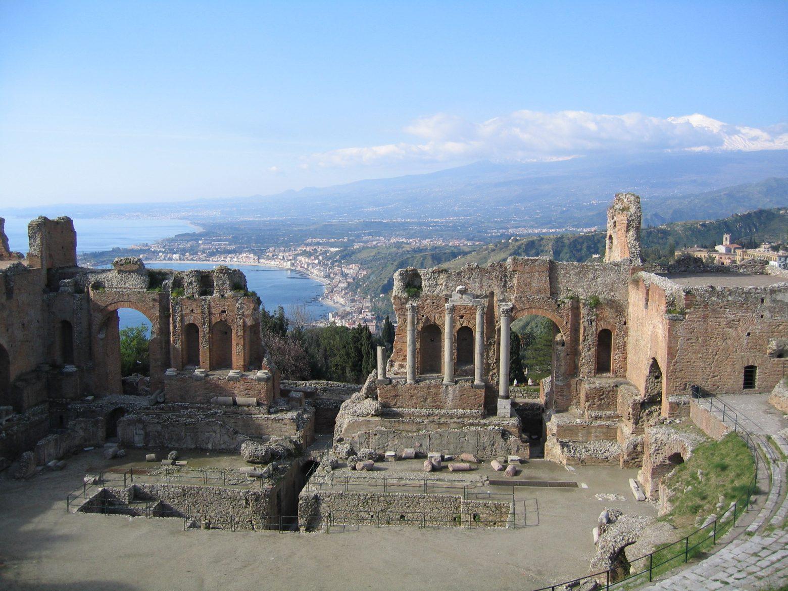 Turismo, italiani scelgono Sicilia Boom di prenotazioni per le vacanze sull'Isola