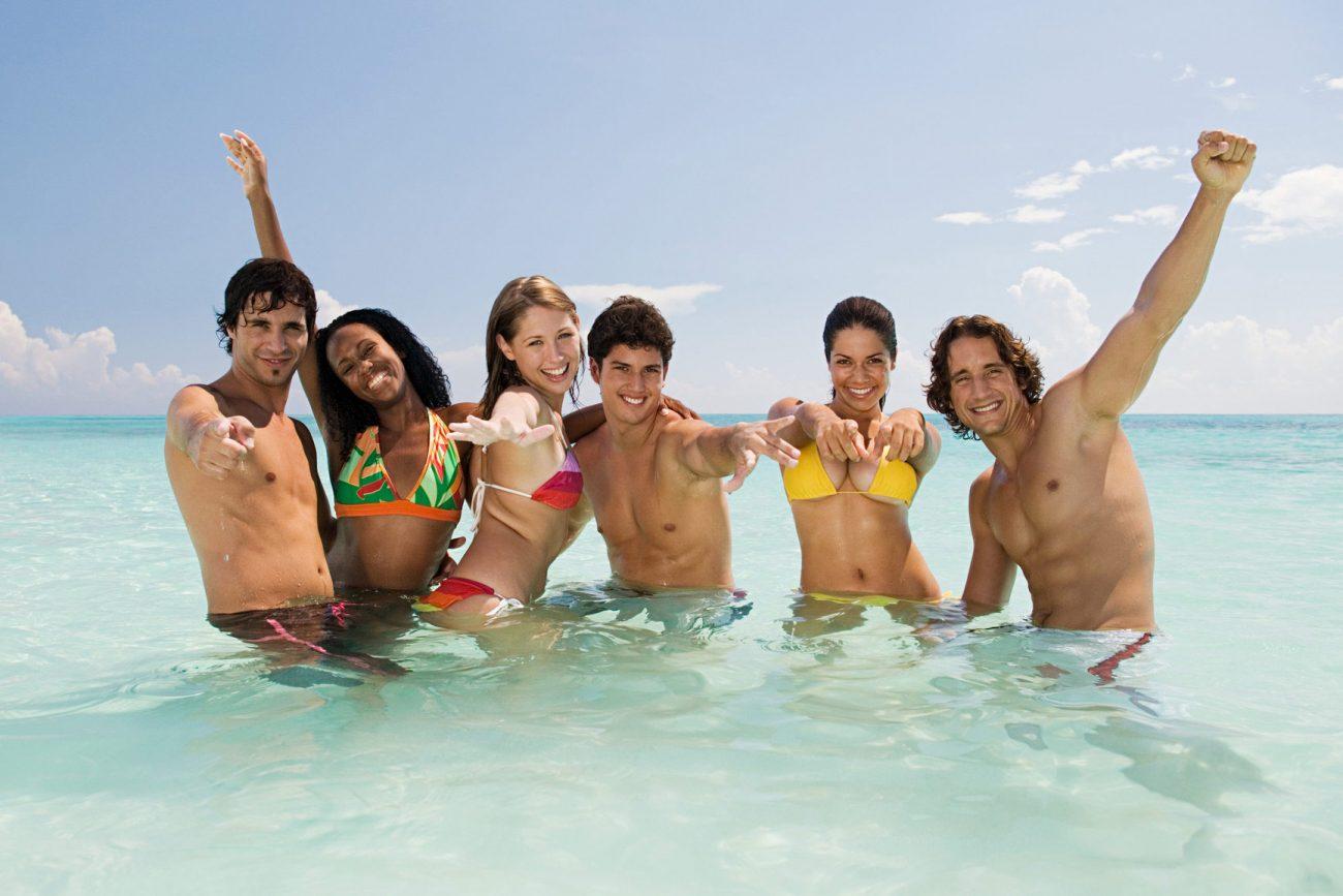 In vacanza da soli o con gli amici? No, meglio con gli sconosciuti