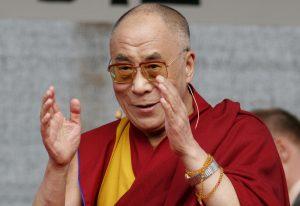 Il Dalai Lama ritorna in Sicilia, sarà nominato cittadino onorario di Palermo