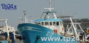 Il peschereccio di Mazara bloccato dai libici, i naufraghi in arrivo a Trapani