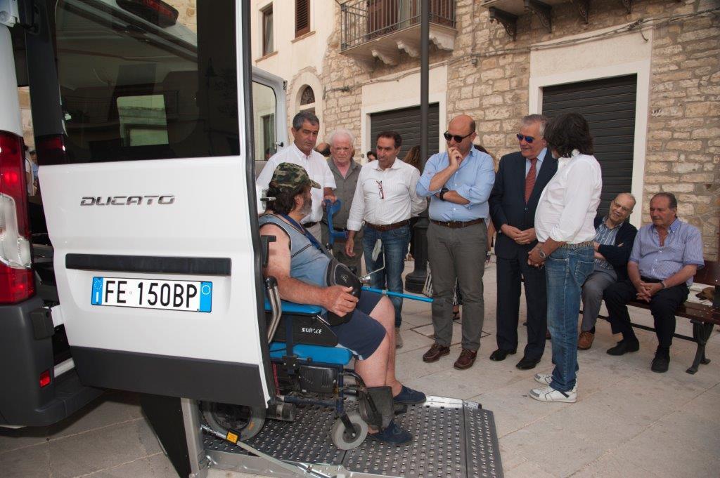 Lercara Friddi, consegnato il pulmino per disabili e anziani