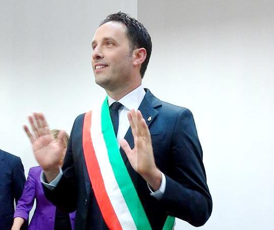 Corruzione e turbativa d'asta, in manette anche il sindaco di Acireale (tutti i dettagli)