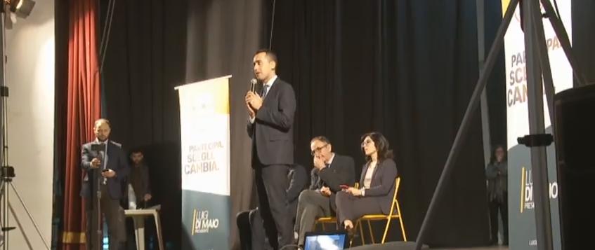 """Luigi Di Maio su Musumeci: """"In cento giorni solo scambi di poltrone e la sua segretaria nominata al Cas"""""""