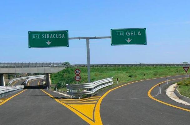 Autostrada Siracusa-Gela, sottoscritto accordo per il prosieguo dei lavori