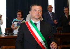 """""""Pronto, sono Papa Francesco"""" ma è Cruciani: """"La Zanzara"""" beffa De Luca"""