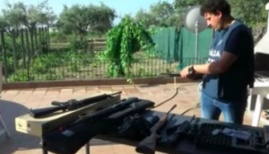 Traffico di armi online dalla Polonia, inchiesta ad Enna: 78 denunciati