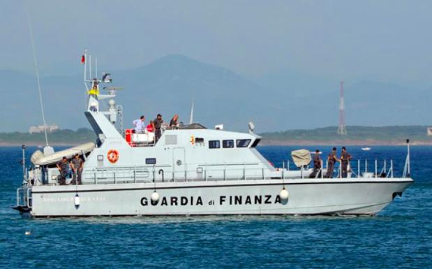 Siracusa, fermati due scafisti turchi a 500 miglia delle coste italiane
