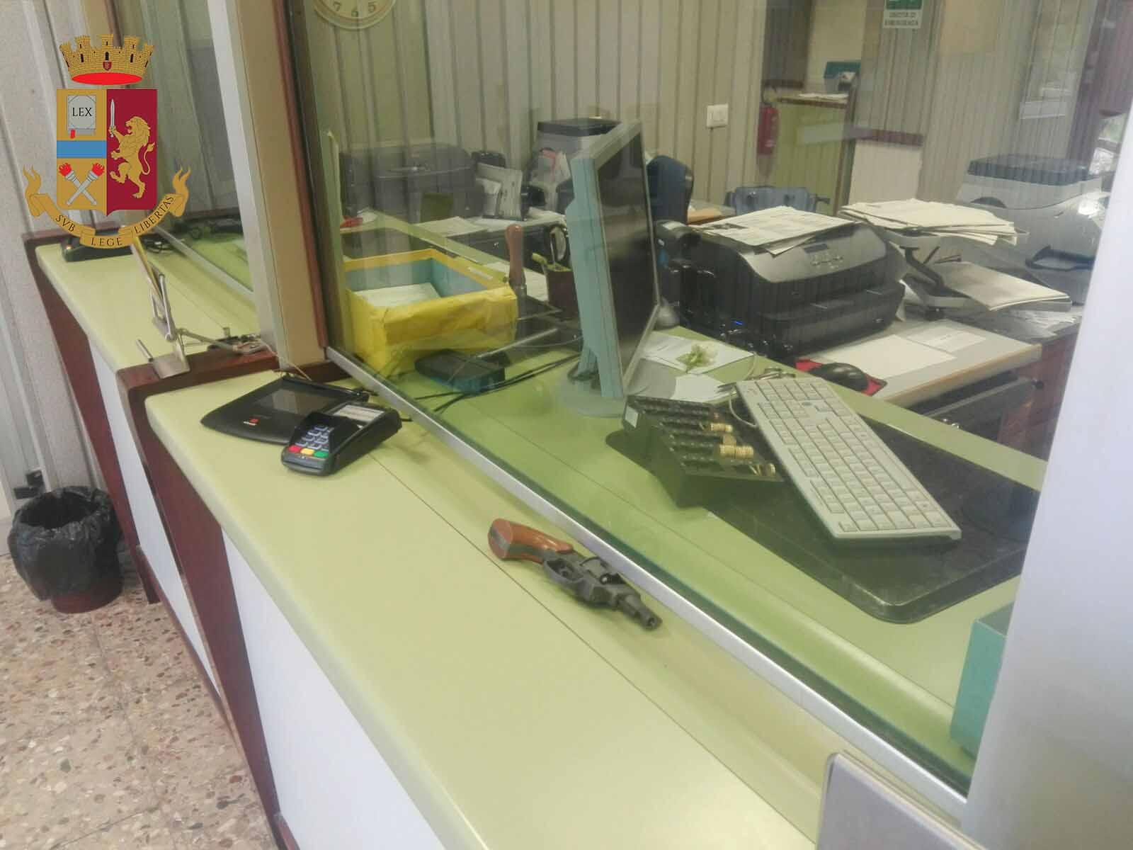 Rapina ad un ufficio postale, arrestati 3 messinesi