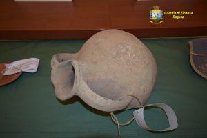 Il sub Antonino Giunta trova reperti archeologici e nave nel fondale ragusano