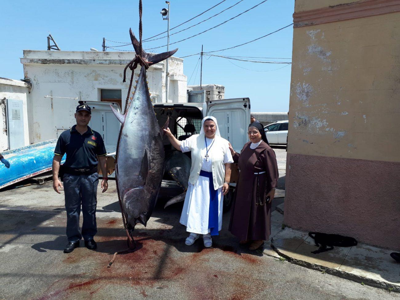 Pesca di frodo a Porticello, sequestrati 2600 kg di tonno rosso