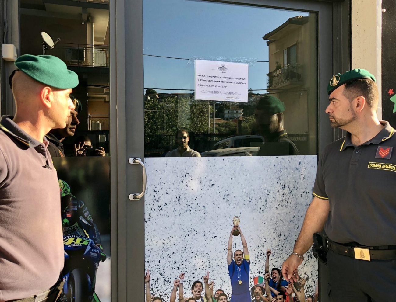 Catania, sequestrata una sala scommesse abusiva nel quartiere Barriera