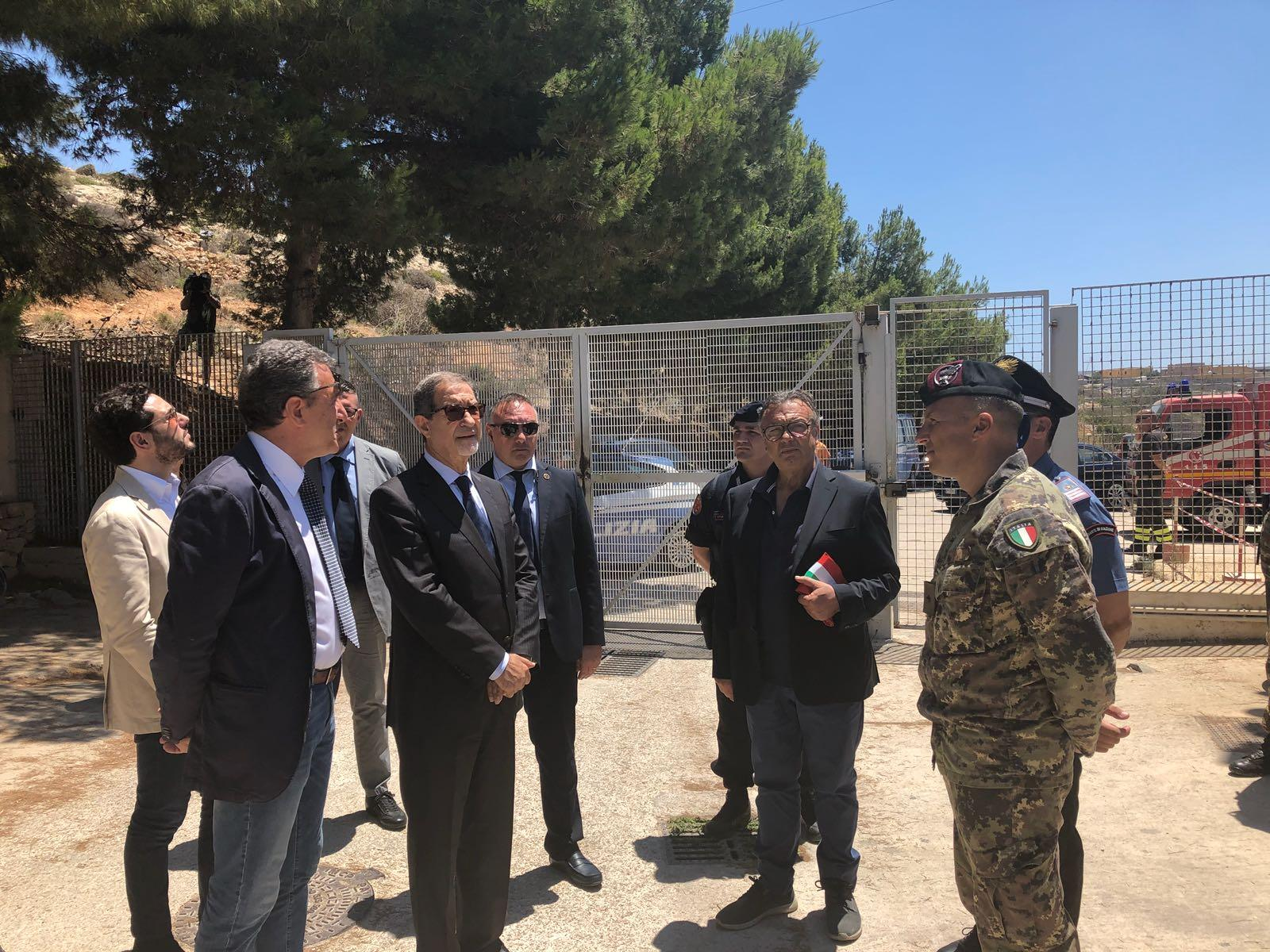 """Musumeci in visita a Lampedusa: """"Regione più vicina alle piccole comunità"""""""