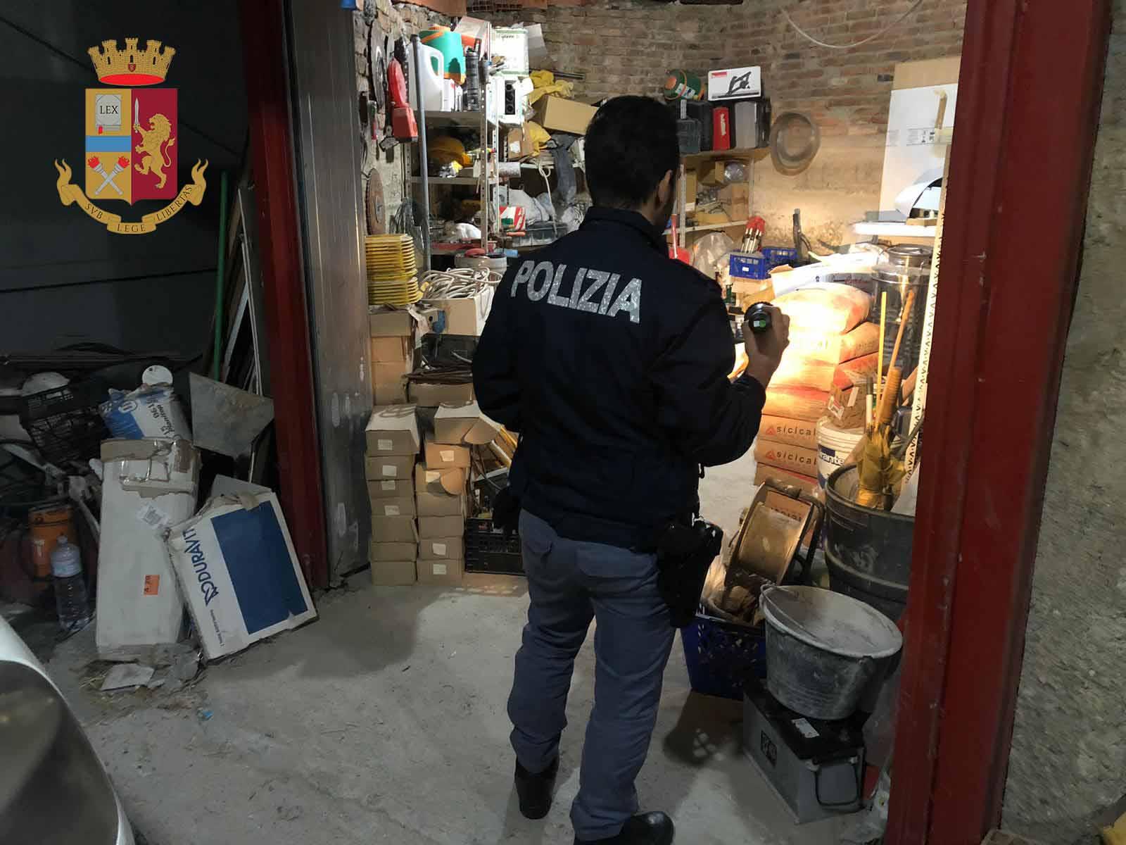 Rubavano materiale edile: quattro arresti a Messina