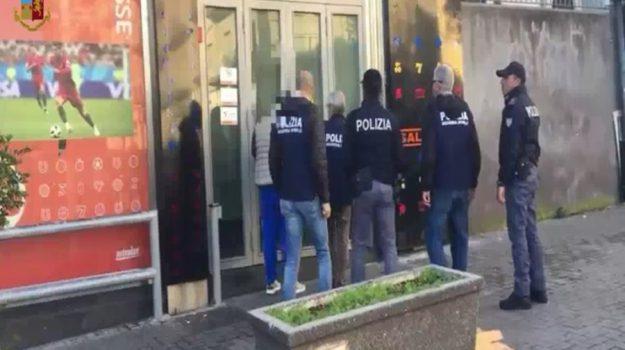Mafia e scommesse online, arrestate 36 persone tra Catania e Ragusa
