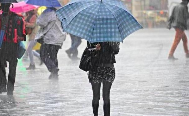 Meteo, prosegue il maltempo con piogge e temporali al Centro Sud