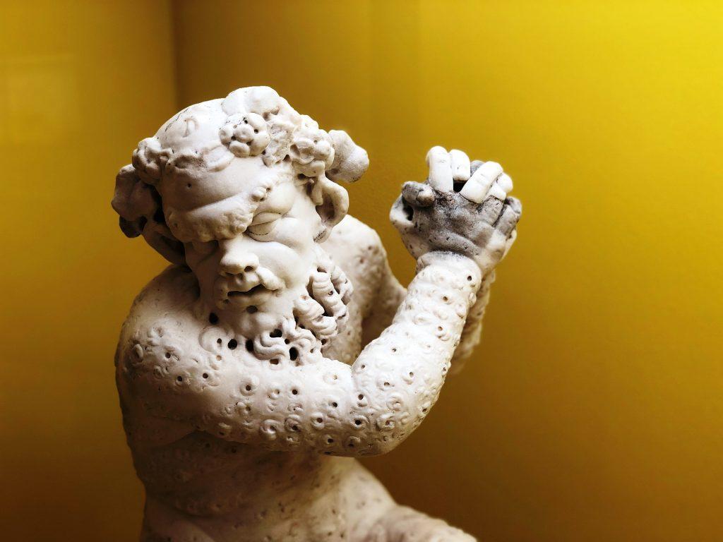Satiro peloso marmo di età romana  proveniente da Ercolano Museo di Napoli LD