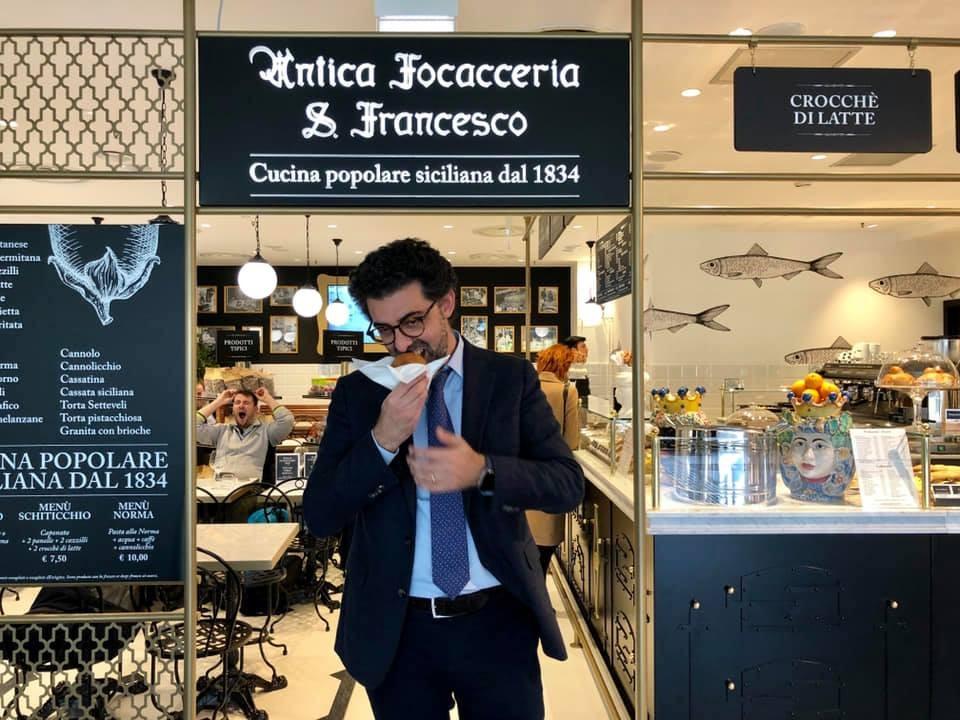 Contrordine, all'aeroporto di Catania ci saranno le arancine e gli arancini