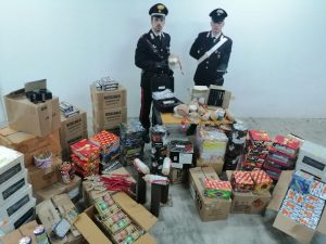 Palermo, scoperto deposito abusivo di fuochi d'artificio illegali: arrestato 42enne