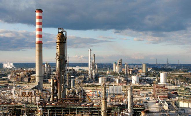 Gli algerini acquistano la raffineria di Augusta