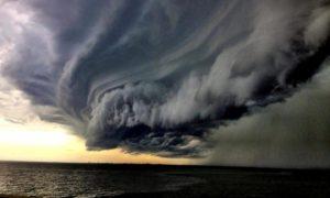 Meteo, tempesta mediterranea in viaggio verso la Sicilia