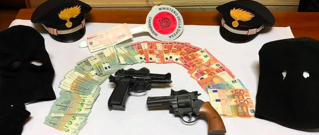 Rapinano ufficio postale, arrestati tre giovani a Motta Sant'Anastasia