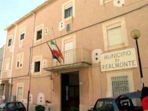 """Realmonte diventa un Comune """"plastic free"""""""