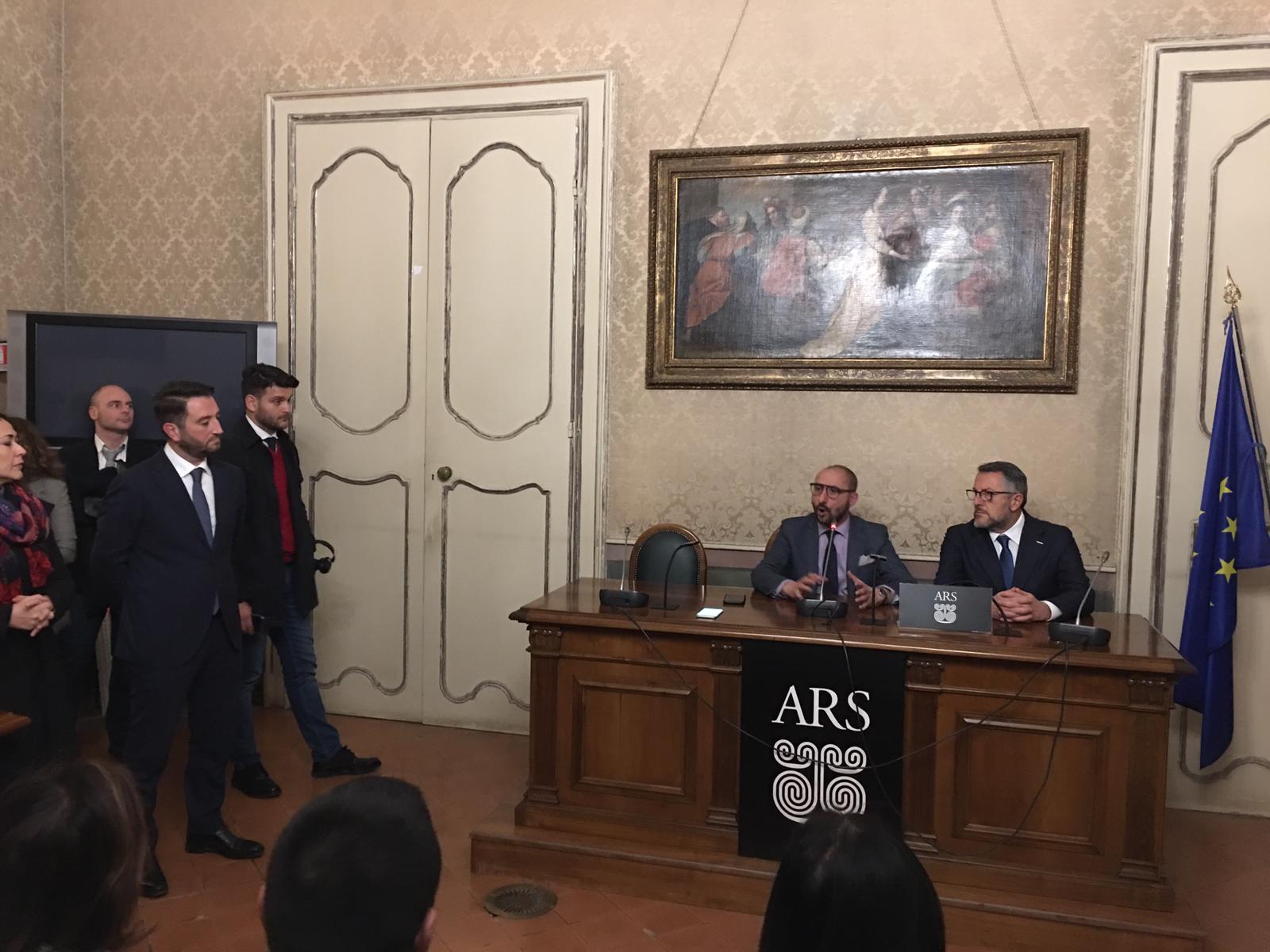 """M5S: """"Musumeci scriva con noi quattro riforme per la Sicilia o vada a casa"""""""