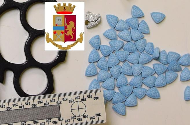 Pasticche di ecstasy nella camera della nonna, arrestato giovane a Caltanissetta
