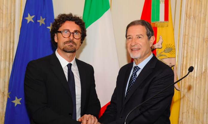 """Emergenza strade in Sicilia, Toninelli: """"Musumeci continua a fare confusione"""""""