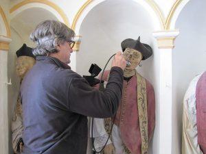 Mummie siciliane, svelati i segreti dei prelati dal volto di cera di Gangi