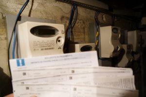 Consumi, aumentano bollette gas e luce