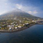 Covid alle Eolie, turisti positivi a Stromboli e Salina: torna la paura