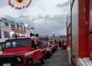 Incendi, in sicilia 66 interventi. Fiamme su A29 e sulle Madonie